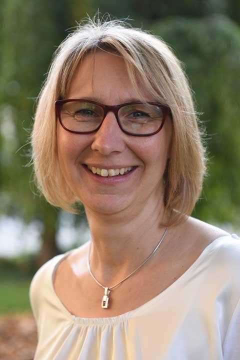 Ihre Ansprechpartnerin im Bistum Augsburg: Heidelinde Hentschke